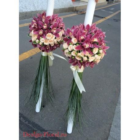 Lumanari de nunta din orhidee imperiala si miniroze
