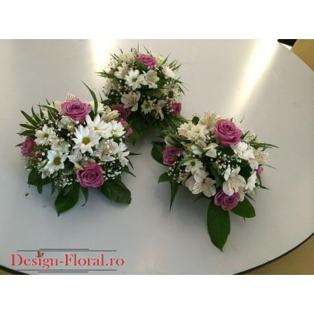 Aranjament de masa trandafiri