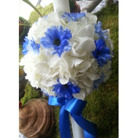 Lumanare botez din hortensii si crizanteme