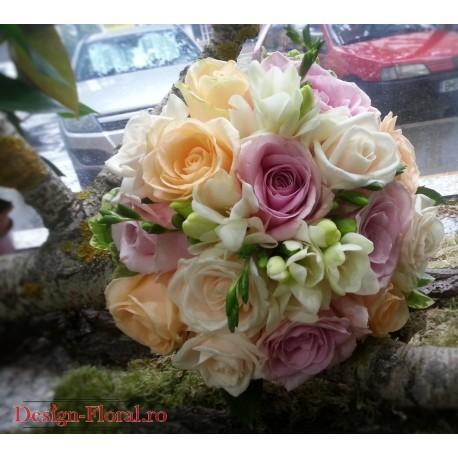 Buchet mireasa trandafiri pastelati