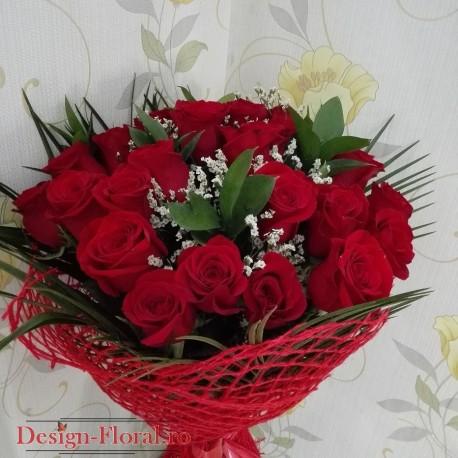 Buchet floral trandafiri si Limonium