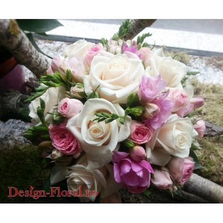 Buchet mireasa frezii roz si trandafiri