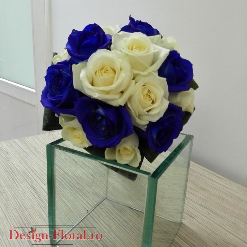 Buchet Mireasa Trandafiri Albastrii Si Albi Floraria Design Floral
