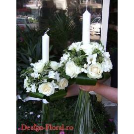 Lumanari de nunta sferice din trandafiri si frezii