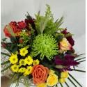 Buchet floral mix de trandafiri si santini
