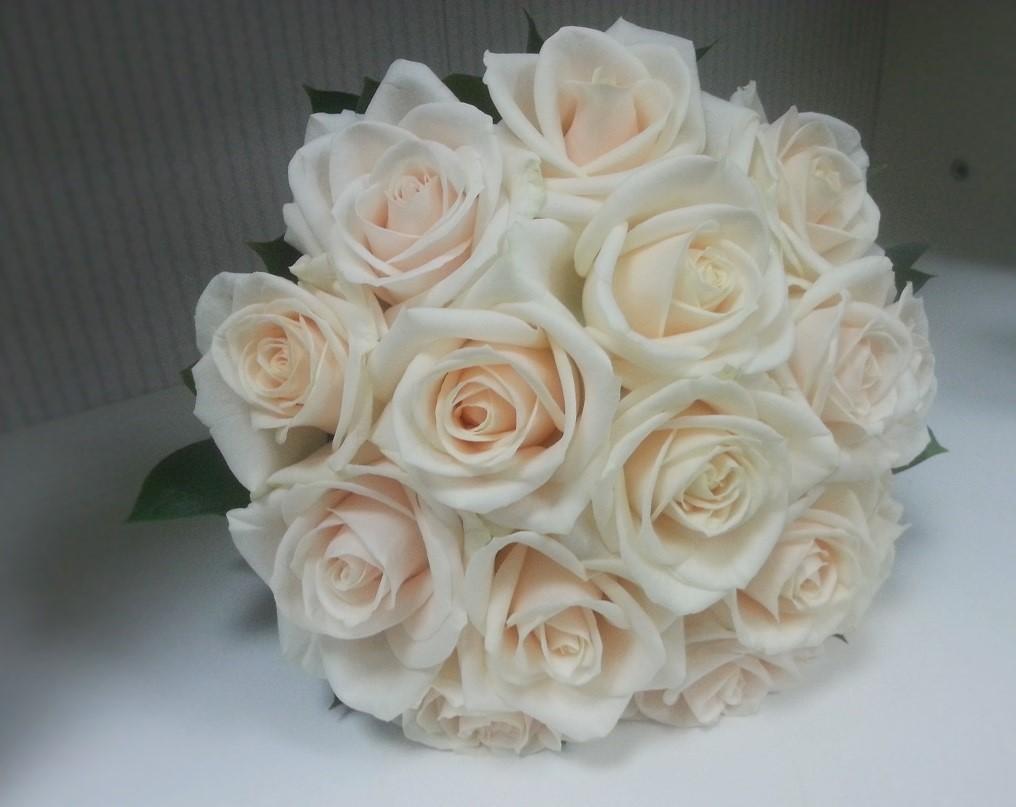 Buchet Mireasa Trandafiri Crem Floraria Design Floral Florarie