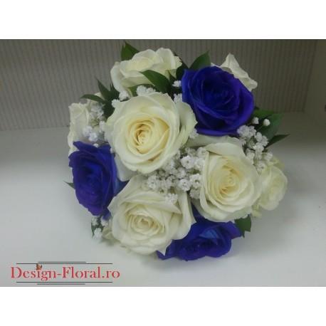 Buchet cununie trandafiri albi si albastrii