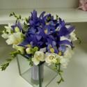 Buchet cununie iris si frezii albe
