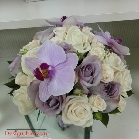 Buchet mireasa trandafiri si orhidee Phalaenopsis