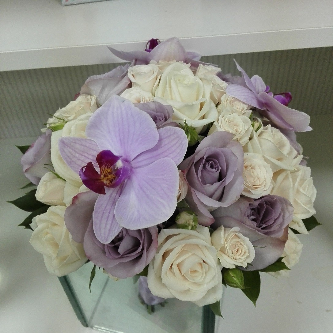 Buchet Mireasa Trandafiri Si Orhidee Phalaenopsis Floraria Design