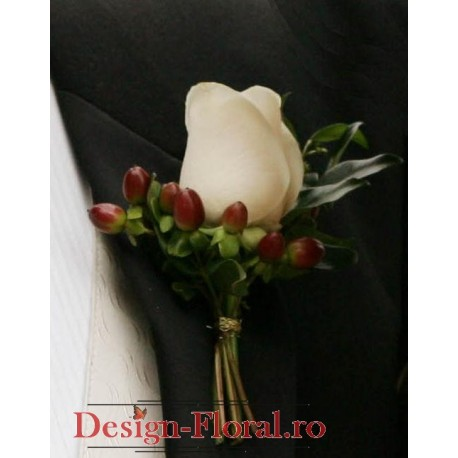 Cocarda din trandafir si Hypericum