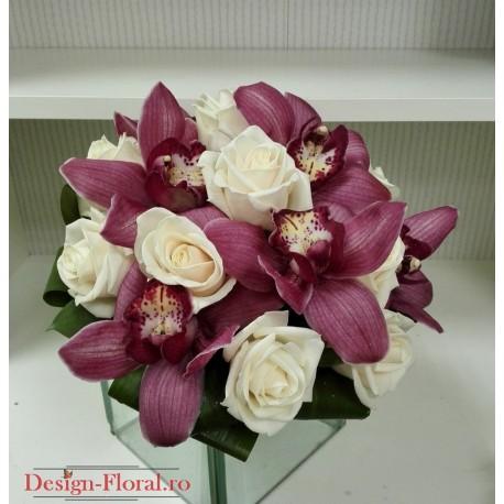 Buchet mireasa orhidee cymbidium lila