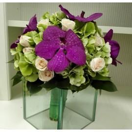 Buchet mireasa Hortensie verde si orhidee Vanda