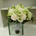 Buchet mireasa lisianthus verde si trandafiri
