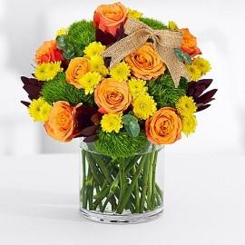 Aranjament floral trandafiri si dianthus Green Trick