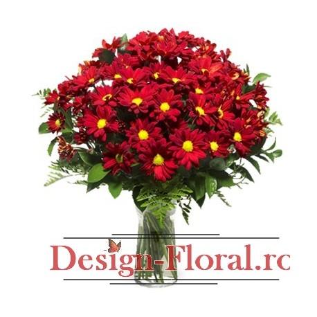 Aranjament floral margarete rosii