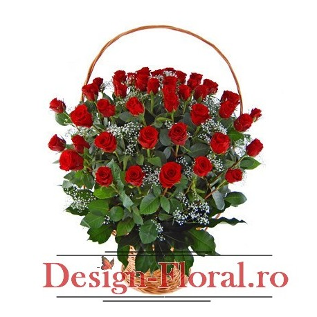 Cos floral trandafiri rosii si floarea miresei