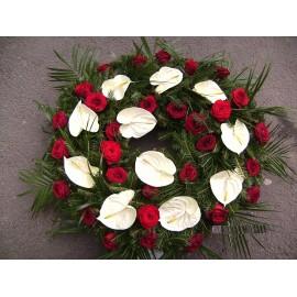 Coroana funerara rotunda Anthurium si trandafiri