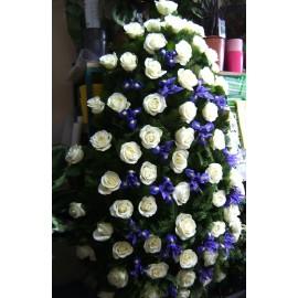 Coroana funerara mare trandafiri si iris