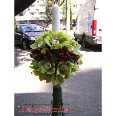 Lumanari nunta glob din orhidee Cymbidium si Hypericum
