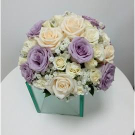 Buchet mireasa trandafiri lila deschis