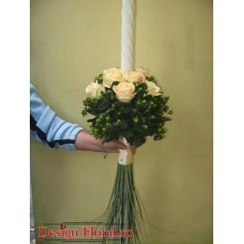 Lumanari de nunta sferice din trandafiri si Hypericum
