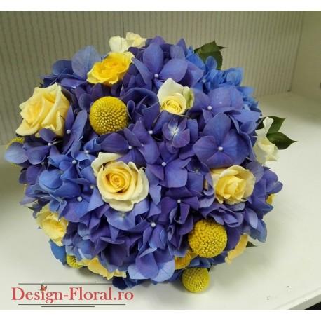 Buchet mireasa hortensii albastre si craspedia