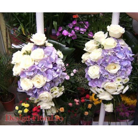 Lumanari nunta clasice realizate din hortensie si trandafiri