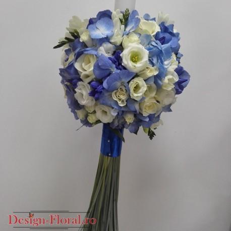 Lumanari nunta hortensie albastra si lisianthus