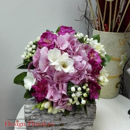Buchet cununie hortensie roz si frezii