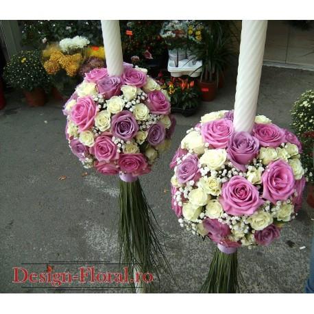 Lumanari de nunta glob din trandafiri mov, lila si miniroze