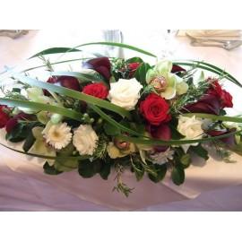 Aranjament prezidiu trandafiri, orhidee si cale
