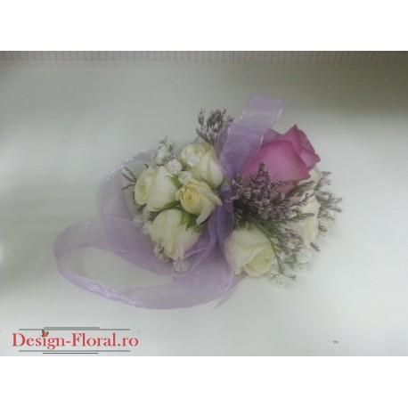 Corsaj minirose si trandafir