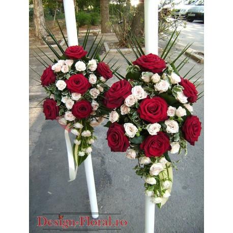 Lumanari nunta curgatoare din trandafiri si miniroze