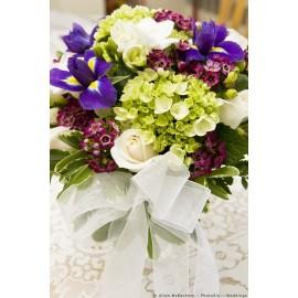 Aranjament masa hortensie si iris