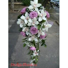 Lumanari de nunta curgatoare din orhidee Cymbidium si trandafiri