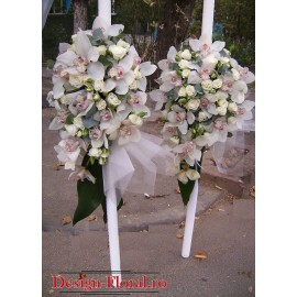 Lumanari de nunta din miniroze si orhidee