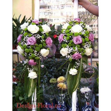 Lumanari de nunta curgatoare din trandafiri si Santini