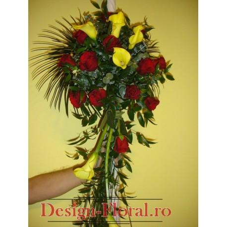 Lumanari de nunta curgatoare din cale si trandafiri
