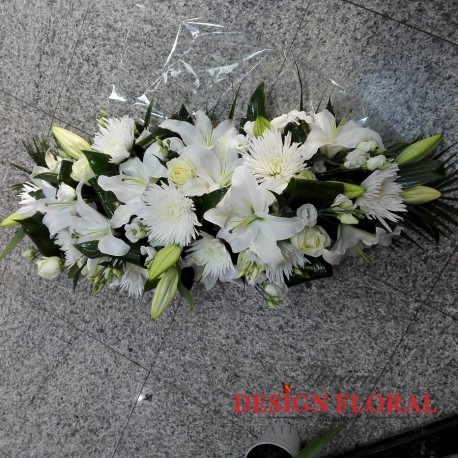Aranjament Prezidiu Crin Alb Si Trandafiri Floraria Design Floral