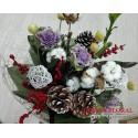 Aranjament floral bumbac si conuri de brad