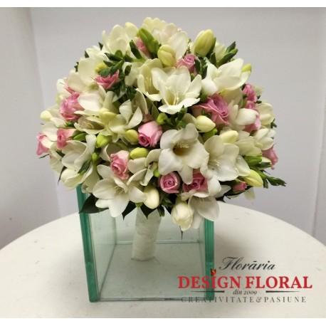 Buchet De Mireasa Frezii Si Minirose Floraria Design Floral