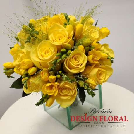 Buchet Cununie Frezii Galbene Floraria Design Floral Florarie