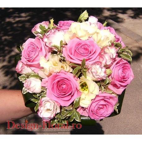 Buchet de mireasa trandafiri si Lisianthus