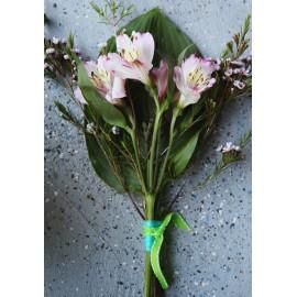 Martisor floral alstroemeria