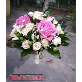 Buchet de mireasa trandafiri si minirose