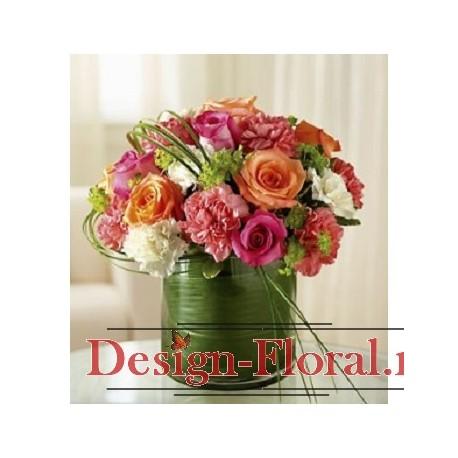 Aranjament masa trandafiri si Dianthus