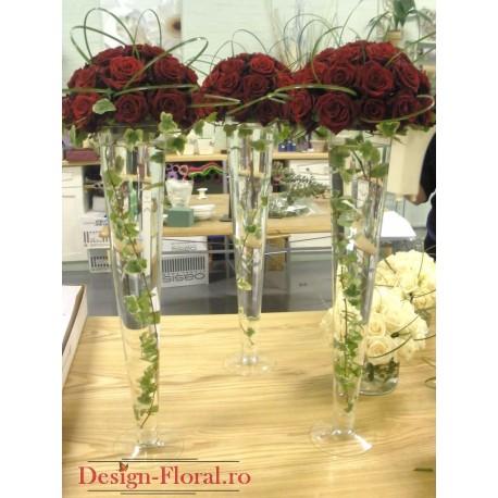 Aranjament trandafiri in vaza inalta