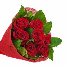 Buchet floral 7 trandafiri rosii