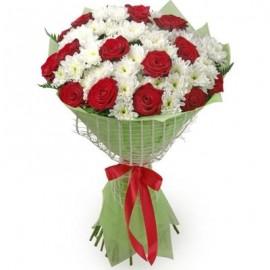 Buchet de oferit din trandafiri si crizanteme